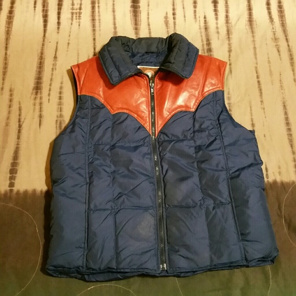 1e726404f3860 True Vintage leather and down vest Mens L. M 5ac18fabb7f72b897618f9ac